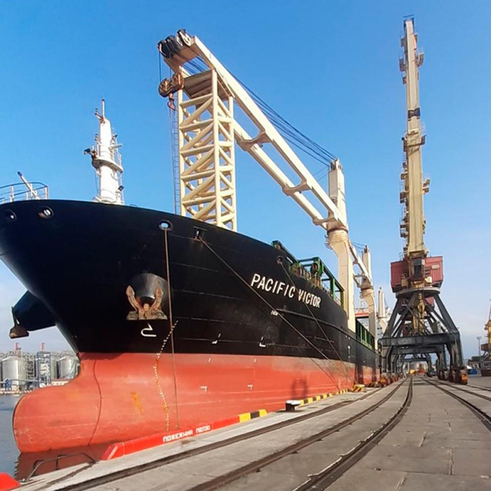 Причал №7 в Одесском порту после реконструкции принял первое судно