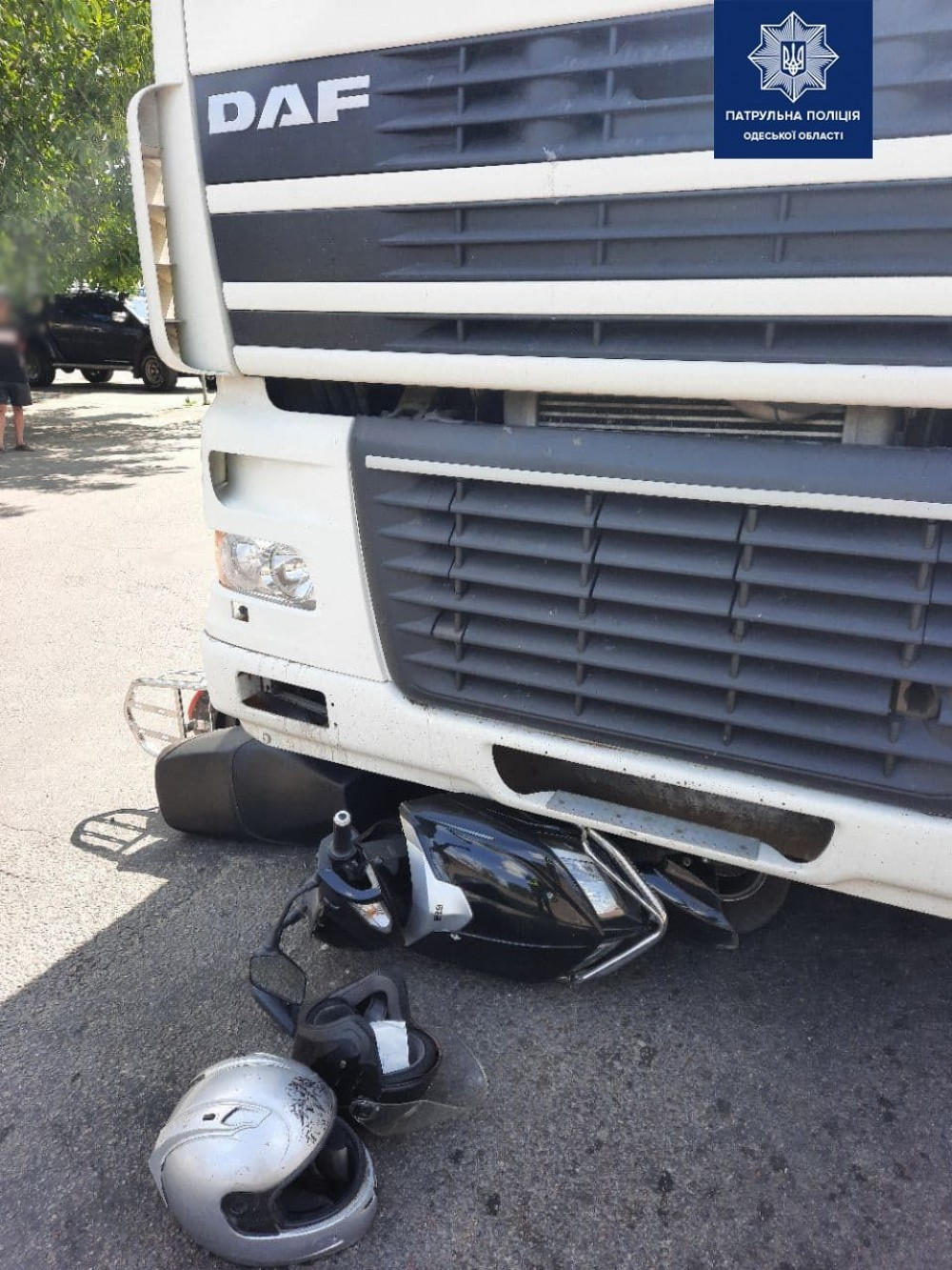 На Рихтера от столкновения с фурой погиб пассажир мопеда // На С. Палия авто сбило двоих детей