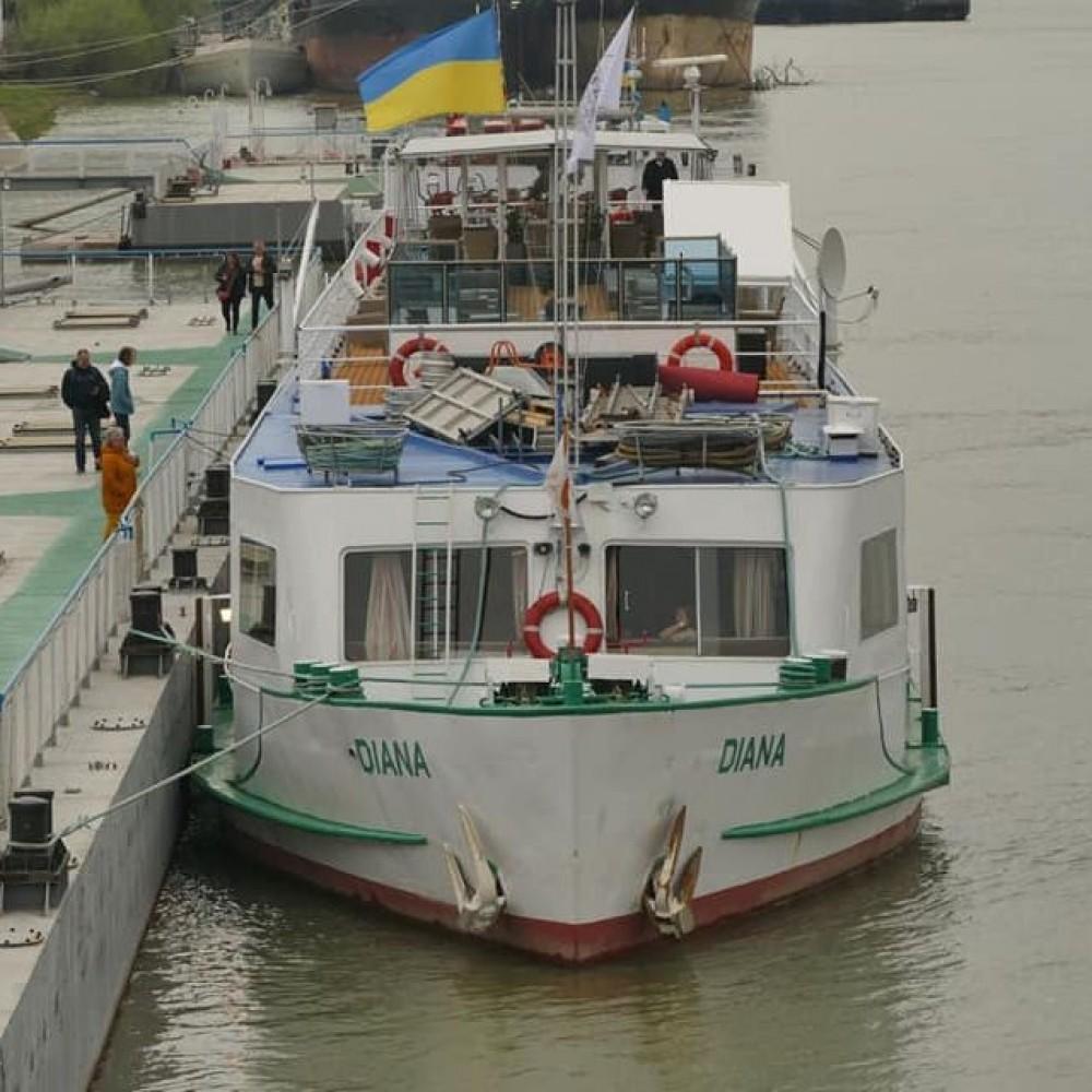 Открыли турсезон // В Измаил зашло круизное судно с румынскими туристами