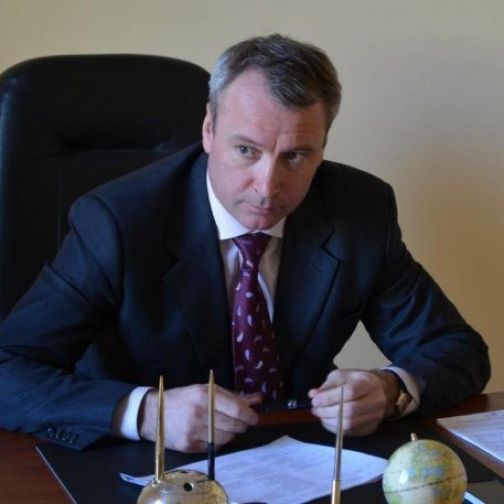 Скандал в Кабмине // Замминистра Немилостивого уволили за пьяное вождение