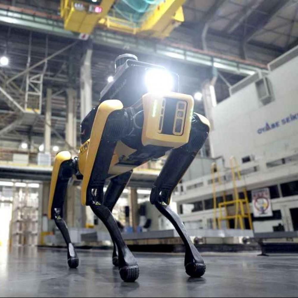 Роботы Boston Dynamic заменили охранников на корейском автозаводе