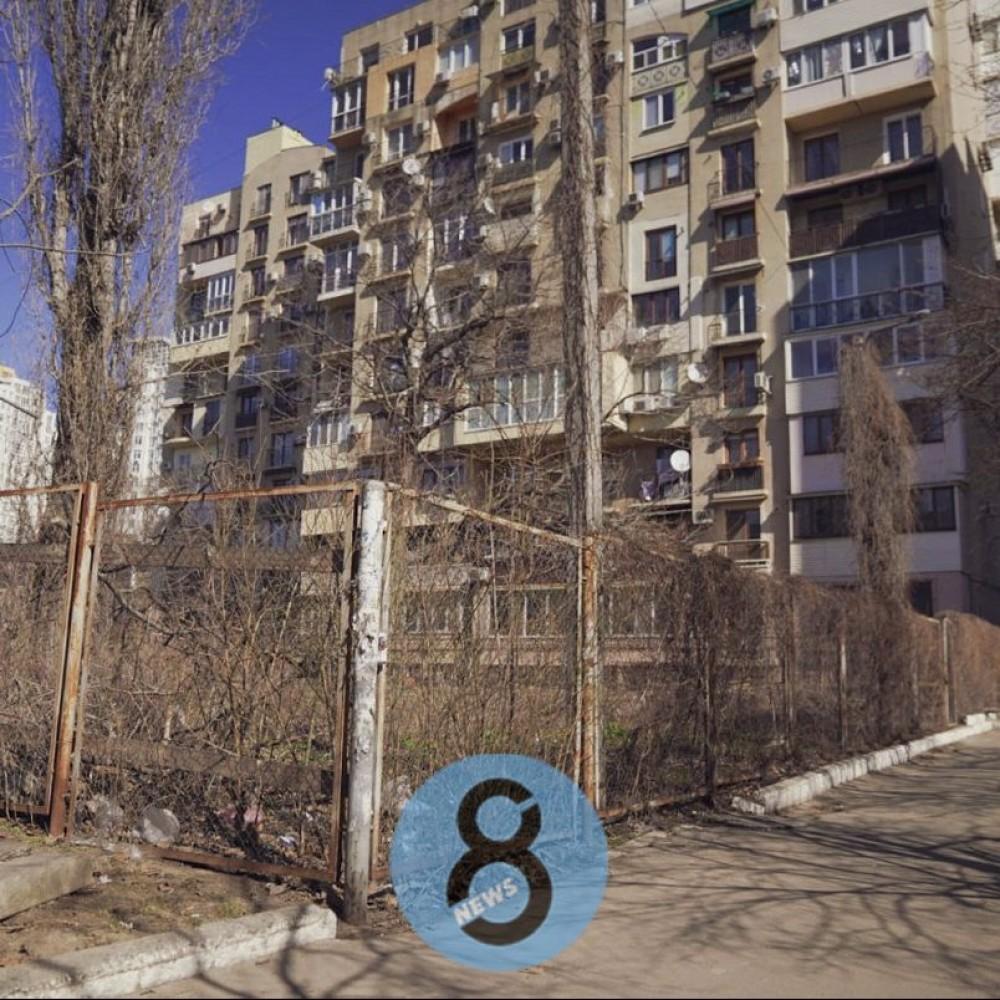 Ценная земля // У универа Мечникова пытались отхватить земельный участок в Шампанском переулке