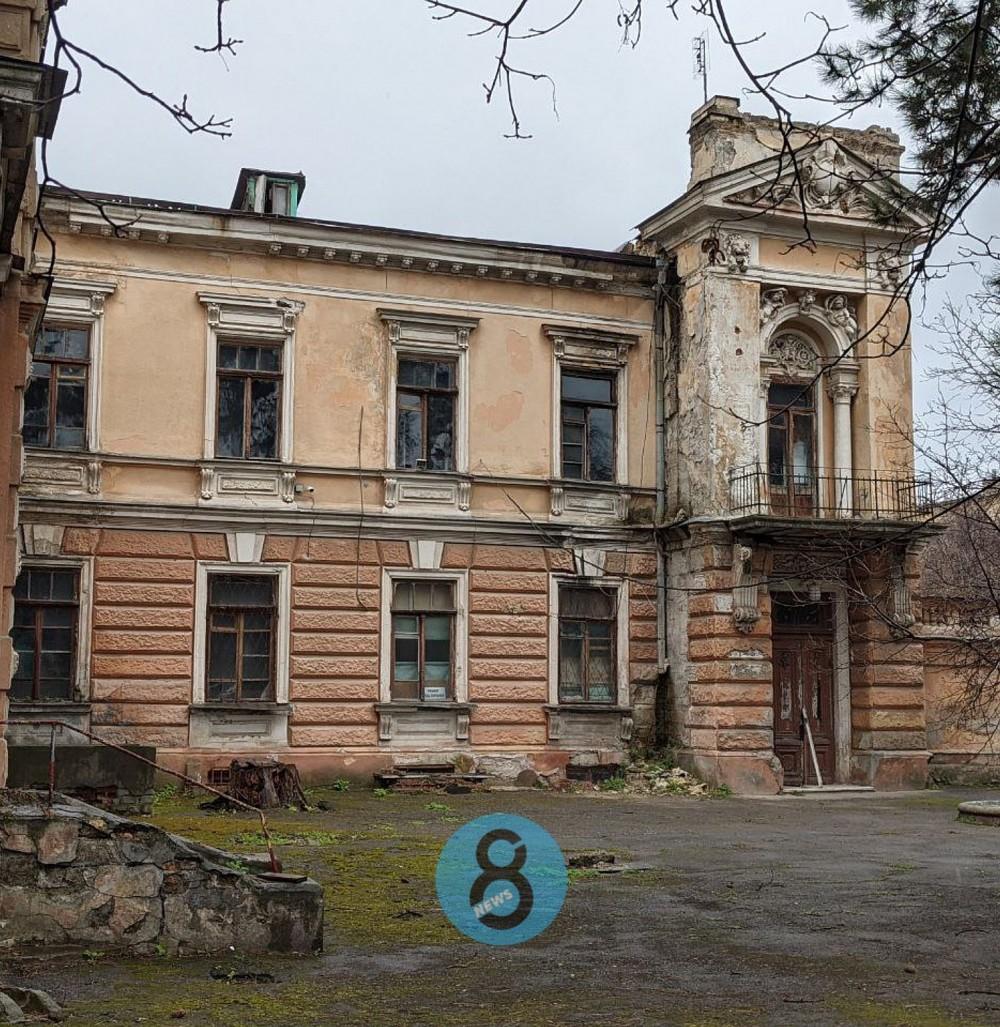 Особняки и доходные дома// Пятерка выставленных на продажу объектов исторической недвижимости