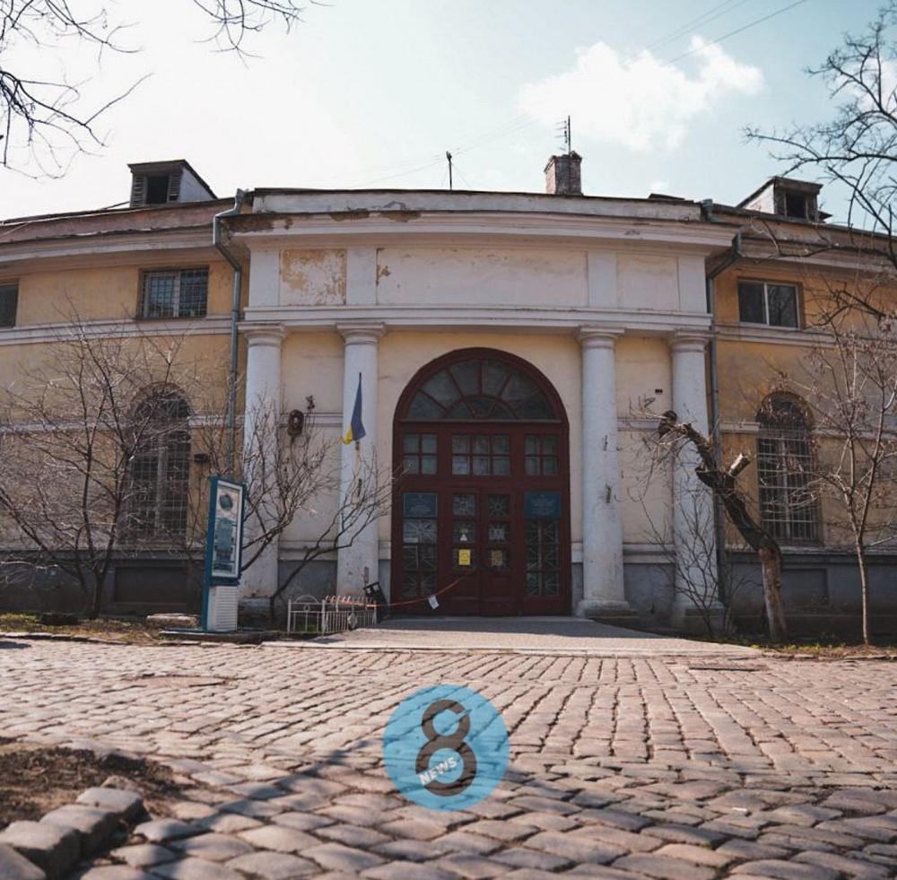 Проектная документация к Воронцовским конюшням обойдется городу в 2 млн грн // Тендер выиграла хорошо знакомая мэрии фирма