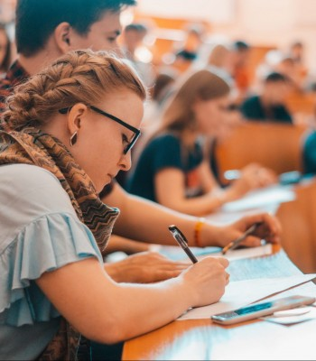 Сколько стоит обучение в одесских вузах // Инфа для абитуриентов