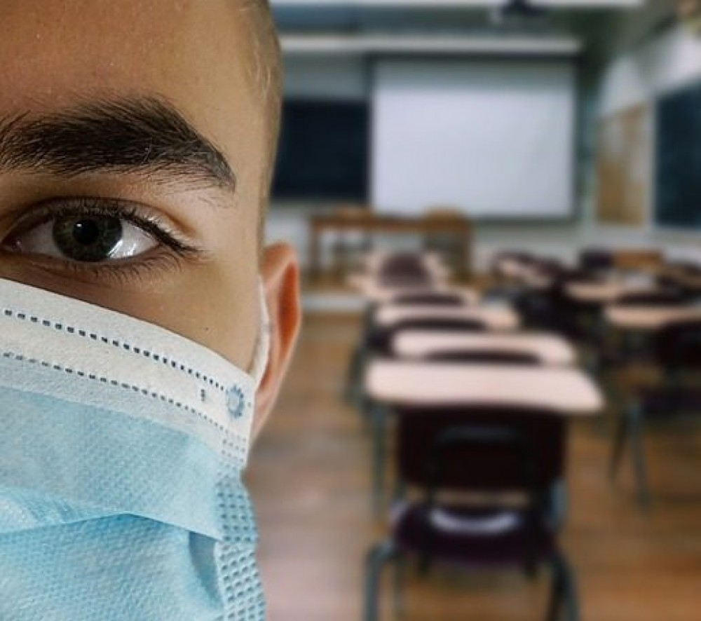 При условии 100% вакцинации учителей // С 1 ноября одесские школьники вернутся за парты