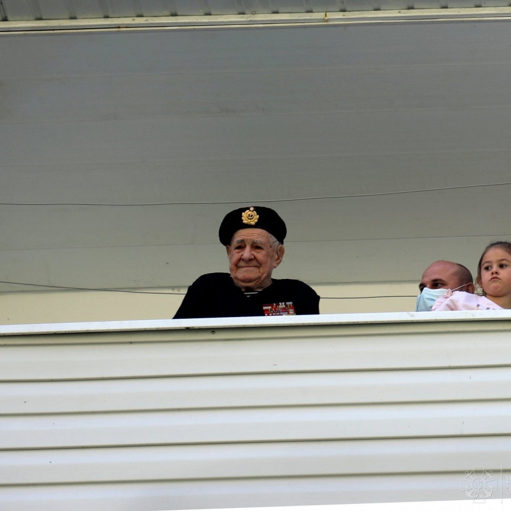 Контр-адмирал и оркестр под окном // В Одессе поздравили 100-летнего ветерана