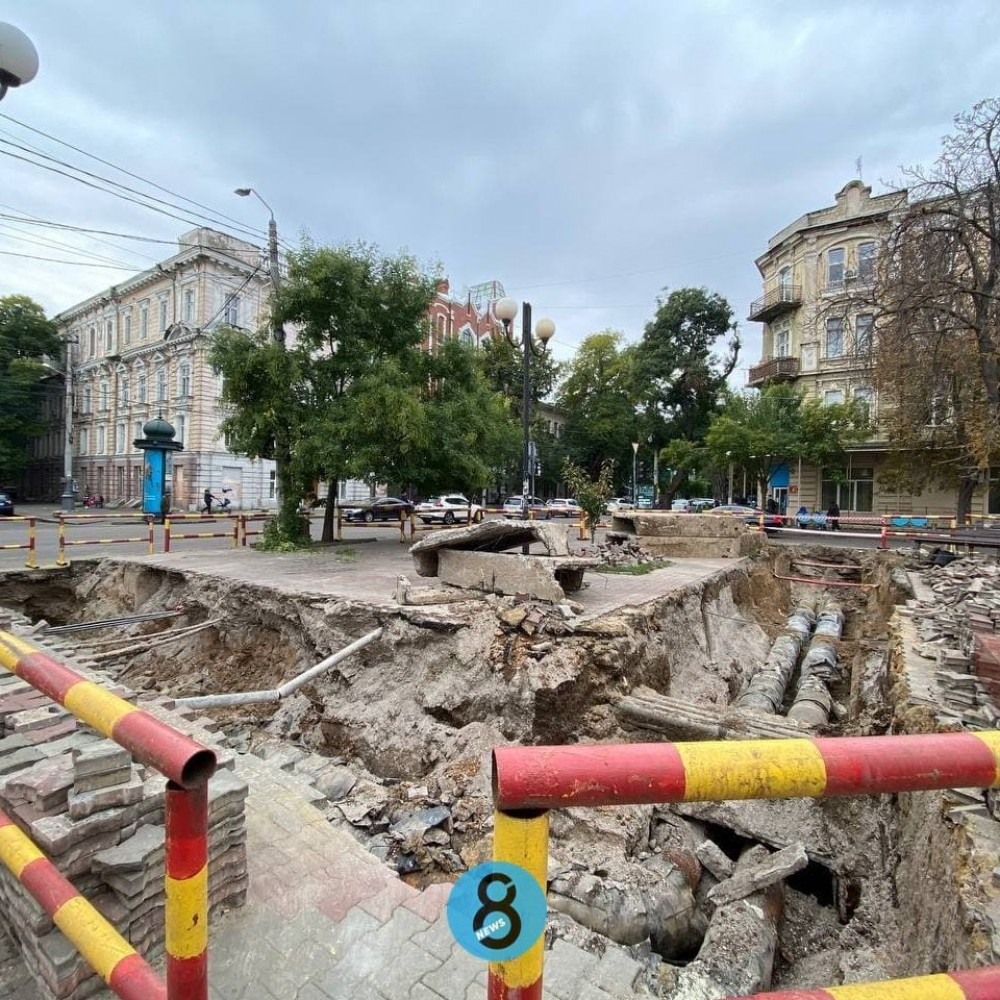 Меняют теплосети // На Александровском проспекте стартовали масштабные работы