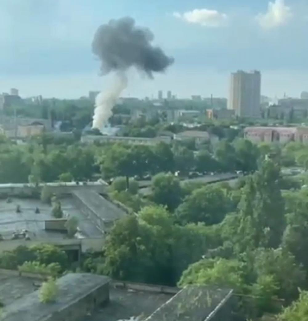 Взрыв на подстанции обесточил и оставил без воды несколько районов Одессы (ОБНОВЛЯЕТСЯ)