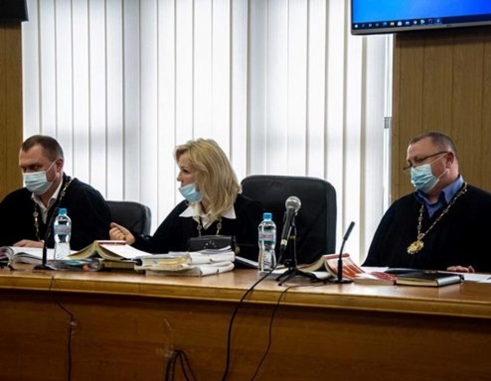 Дело Стерненко // Судьи апелляционного суда ушли в отставку