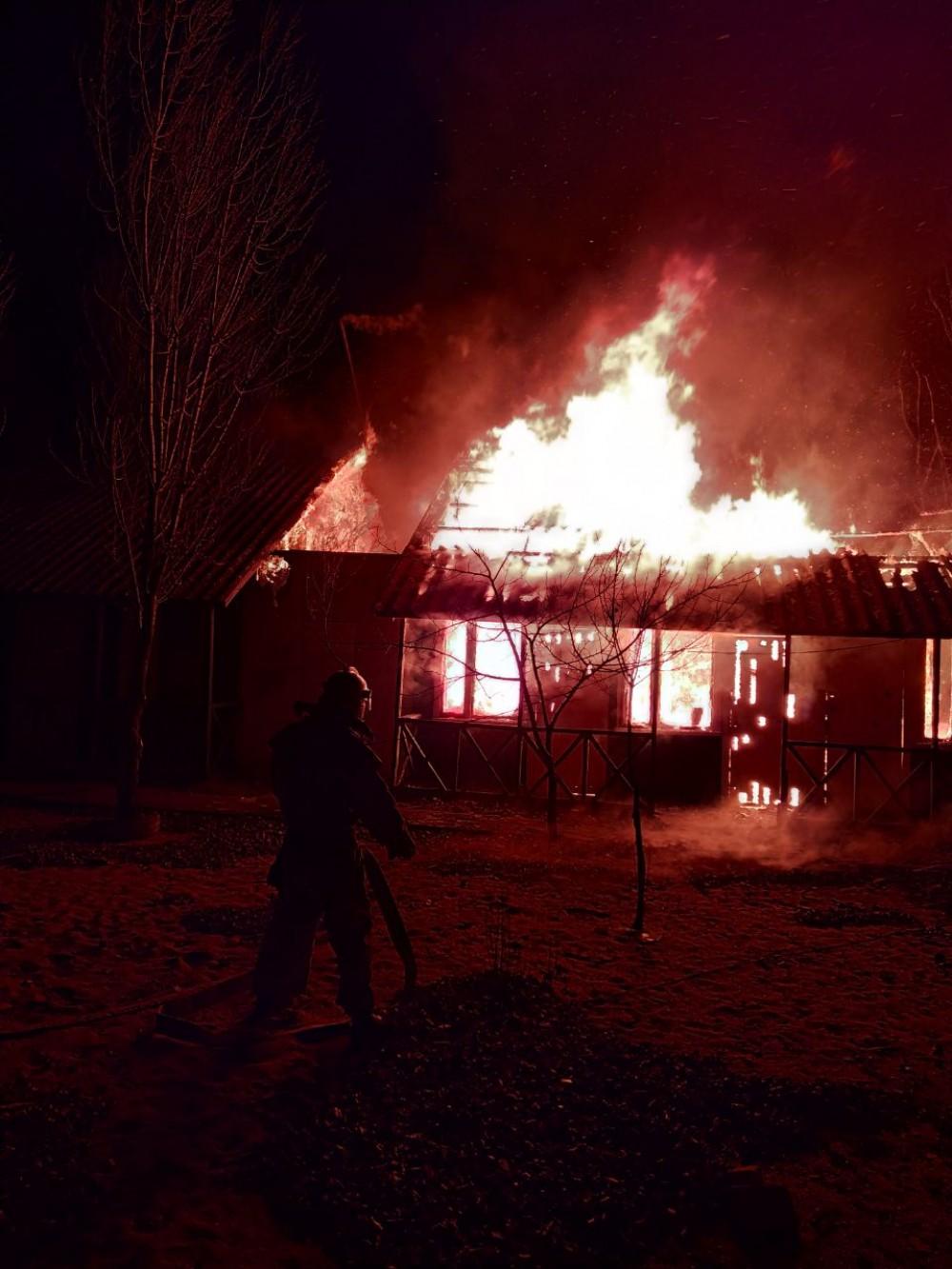 В Затоке горели сразу две базы отдыха за один день