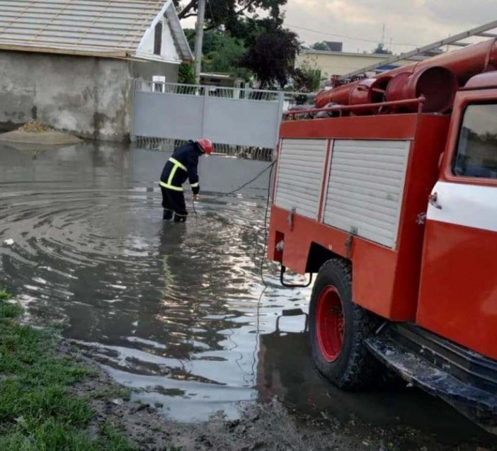 Ливни в Одесской области // Затоплены десятки домов