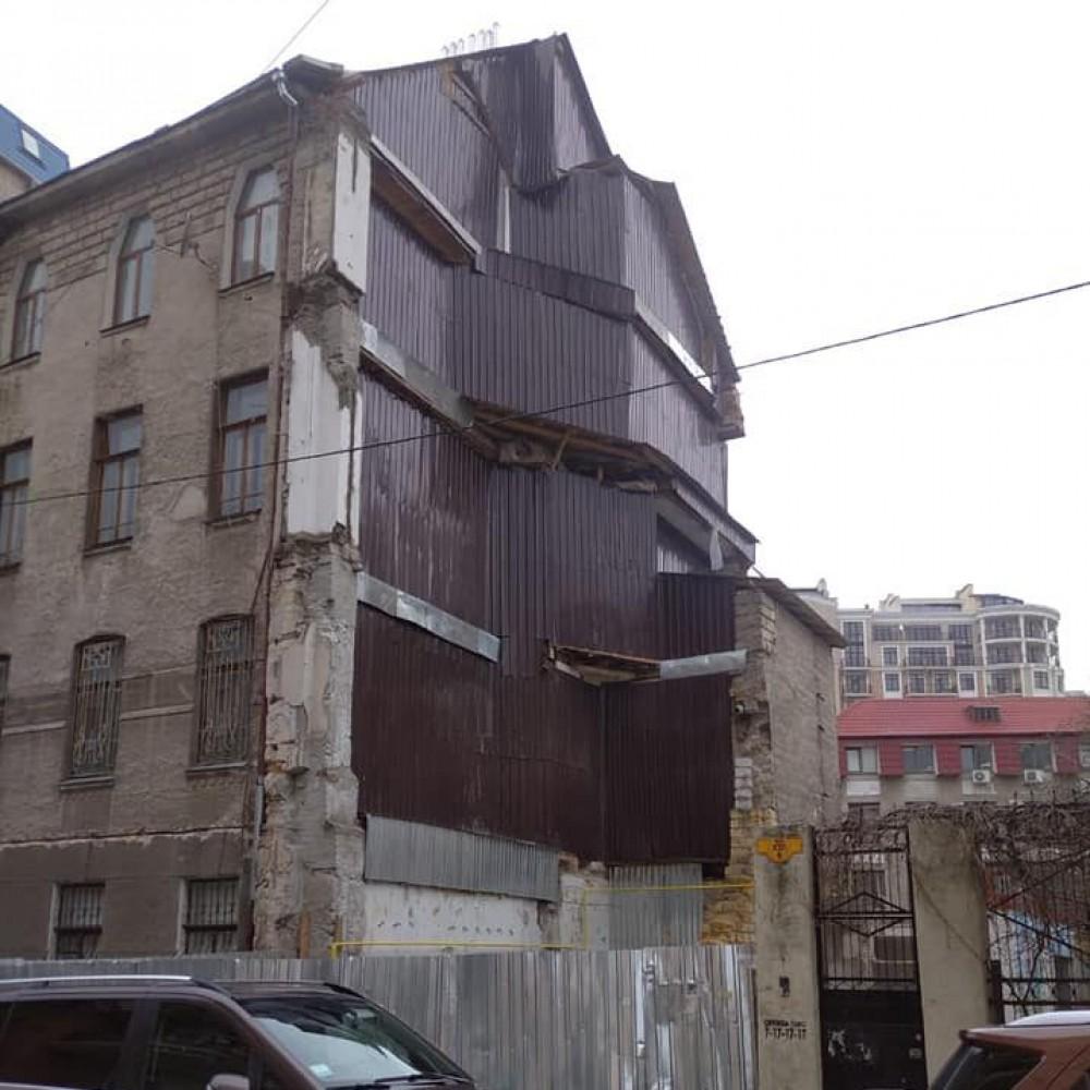Рухнувший дом на Ясной, 10 законсервировали