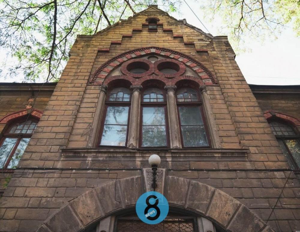 Клиника Дю-Буше // Еврейская община отреставрирует памятник архитектуры на Ясной