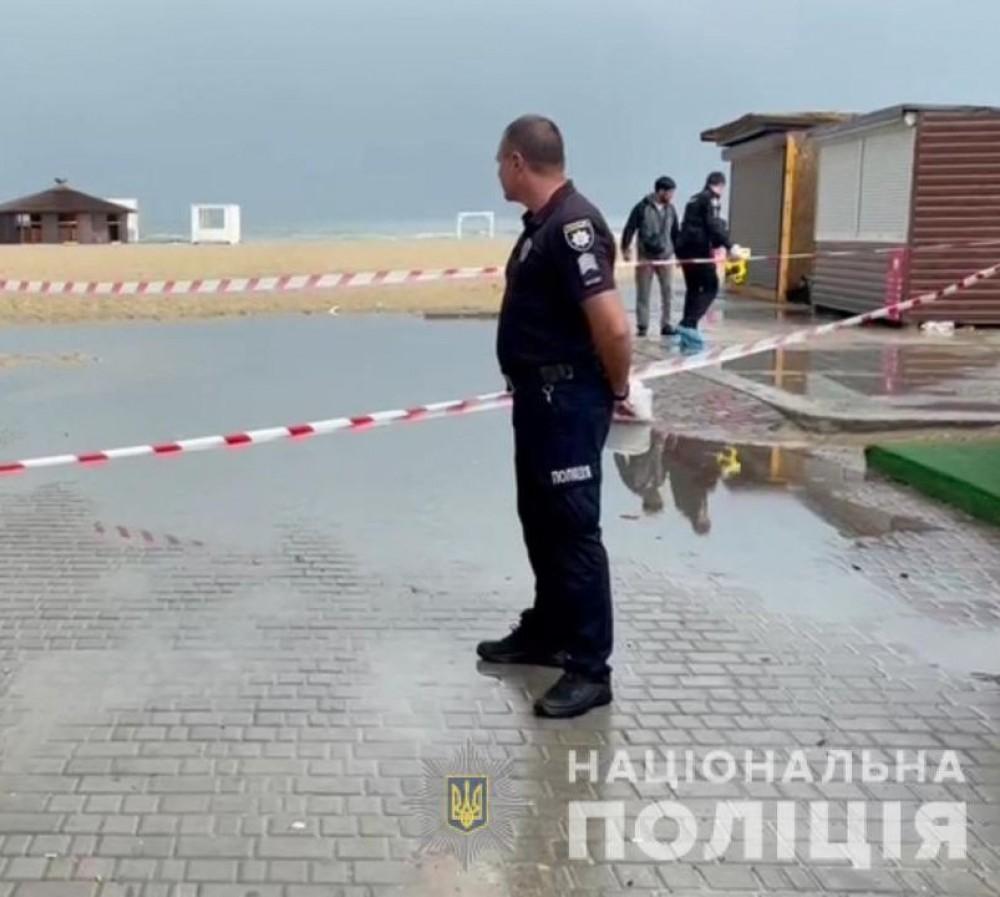 Стрельба в Затоке // Полиция расследует убийство местного жителя бывшим депутатом