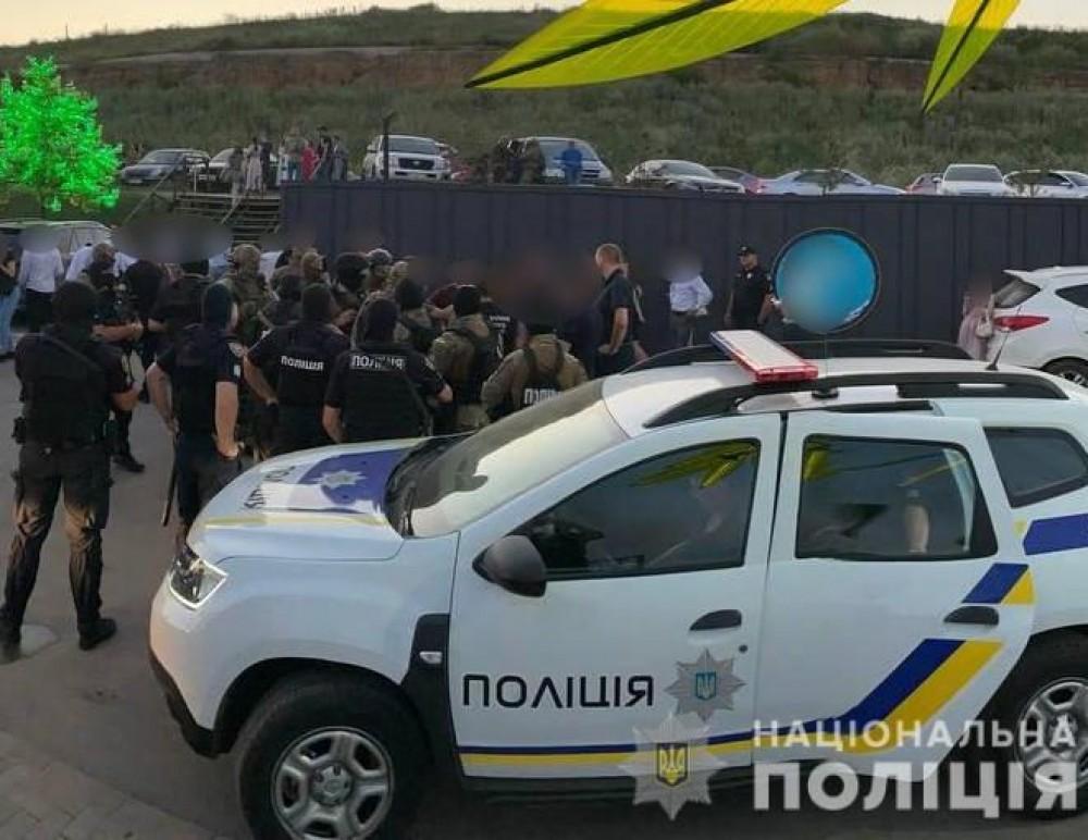В одесской полиции рассказали подробности вчерашнего задержания на свадьбе в Фонтанке