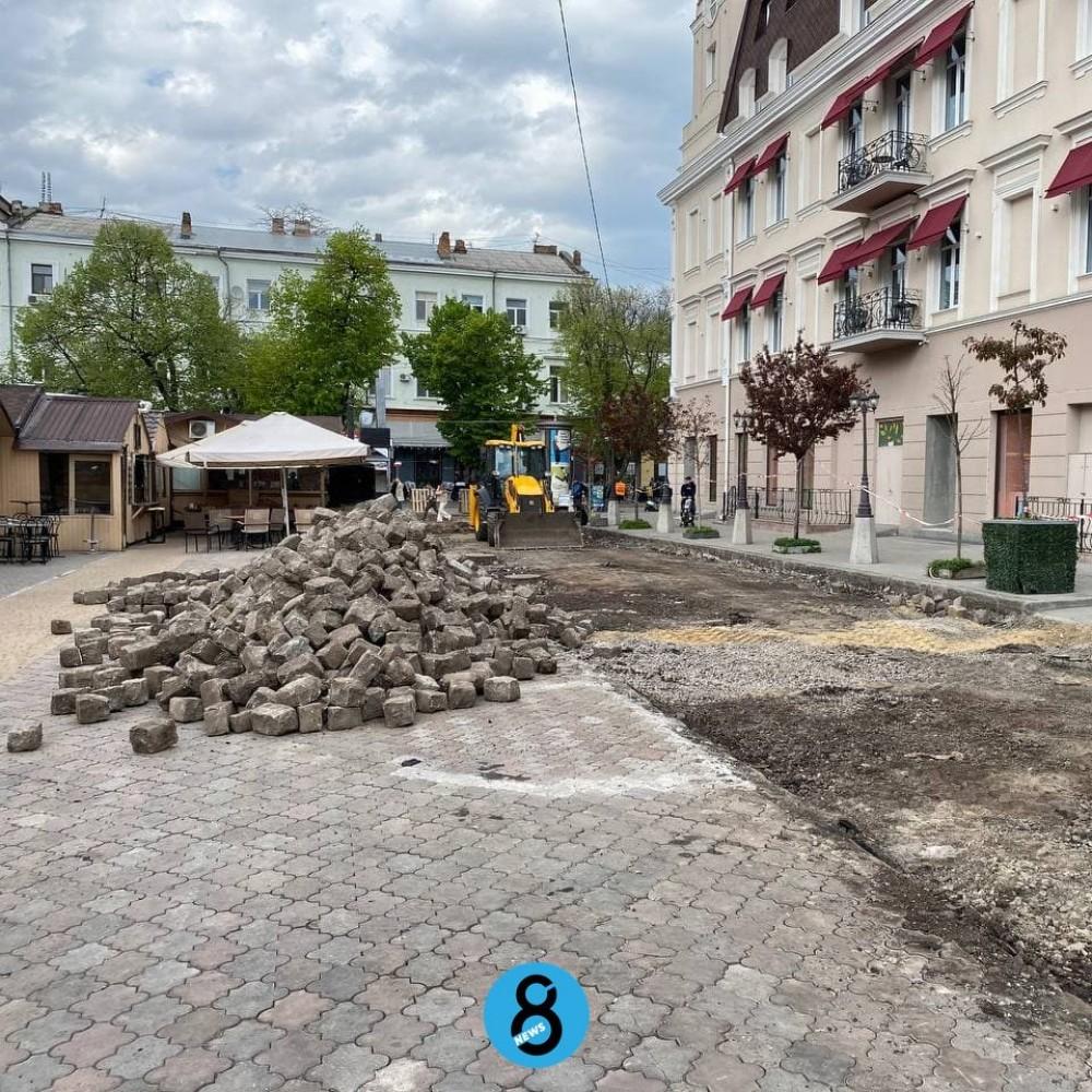 Красный переулок обещают замостить «родной» брусчаткой после реконструкции