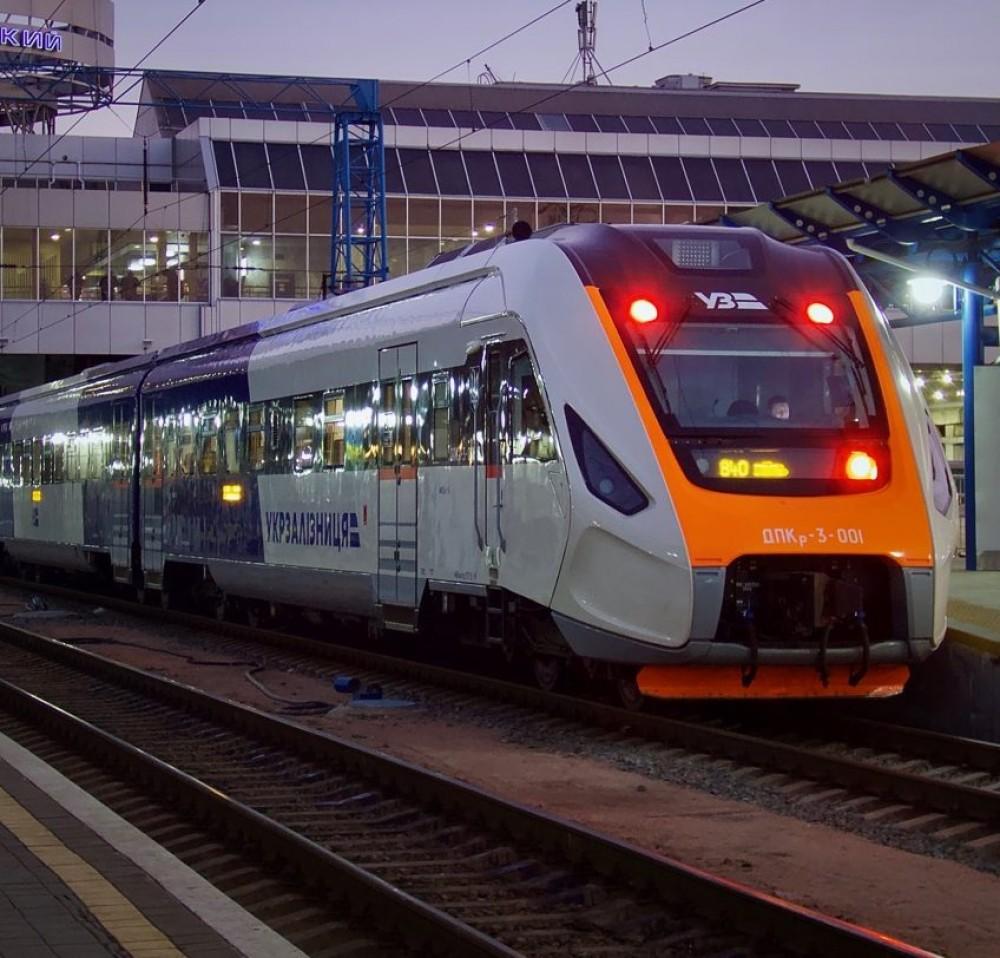 В Украине хотят построить 2000 км колей для скоростных поездов