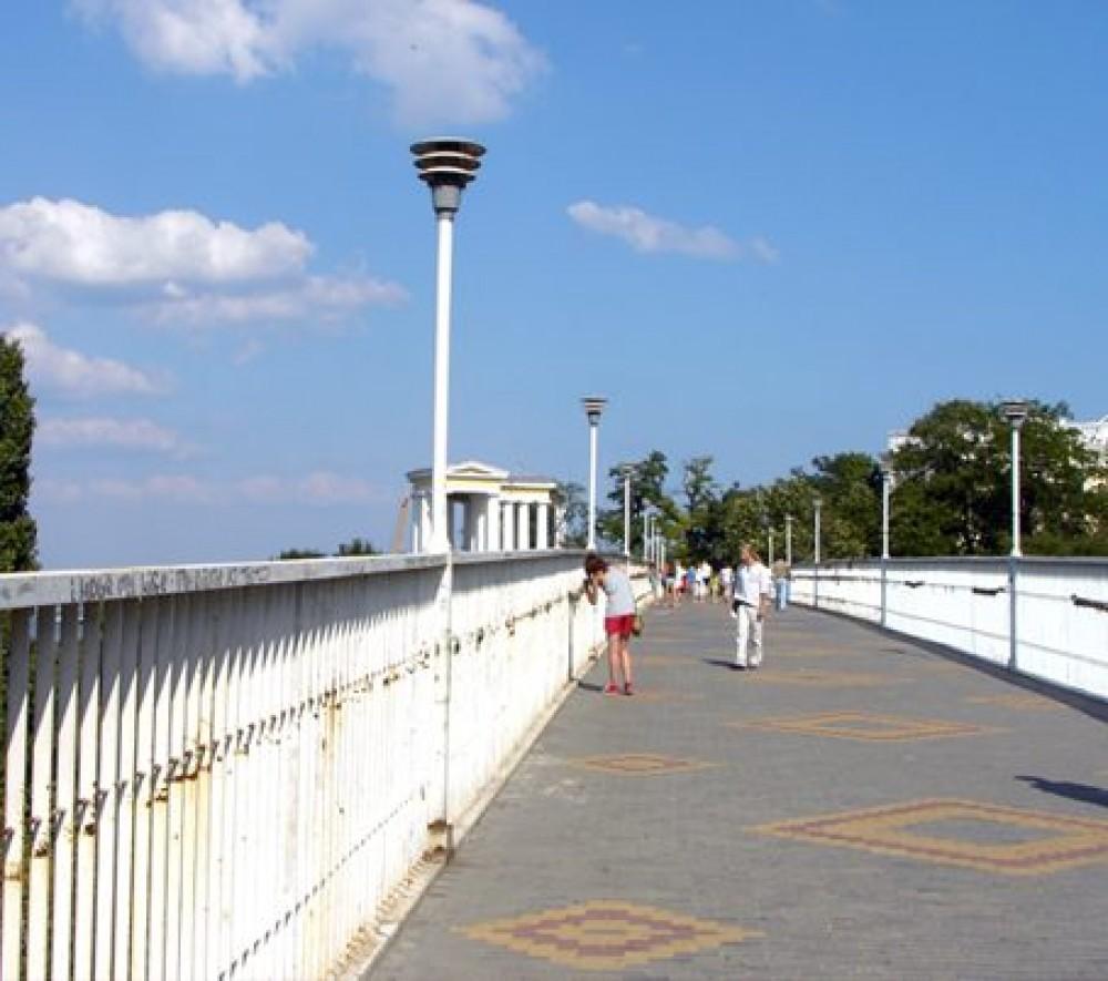 В мэрии задумали обследовать Тещин мост за 190 тыс грн