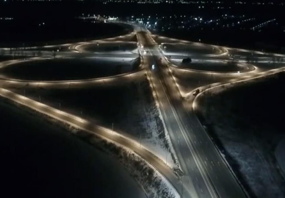 На Клеверном мосту появилось нормальное освещение