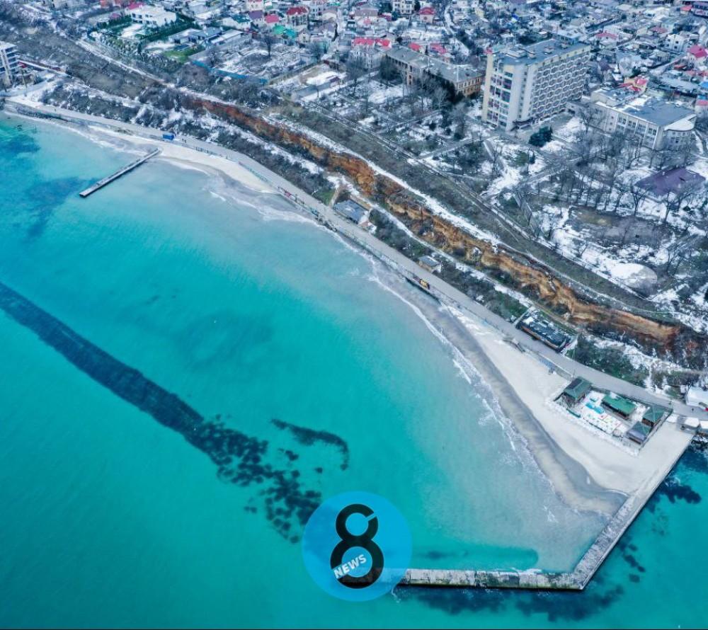В районе 16-й Фонтана море поглотило пляж