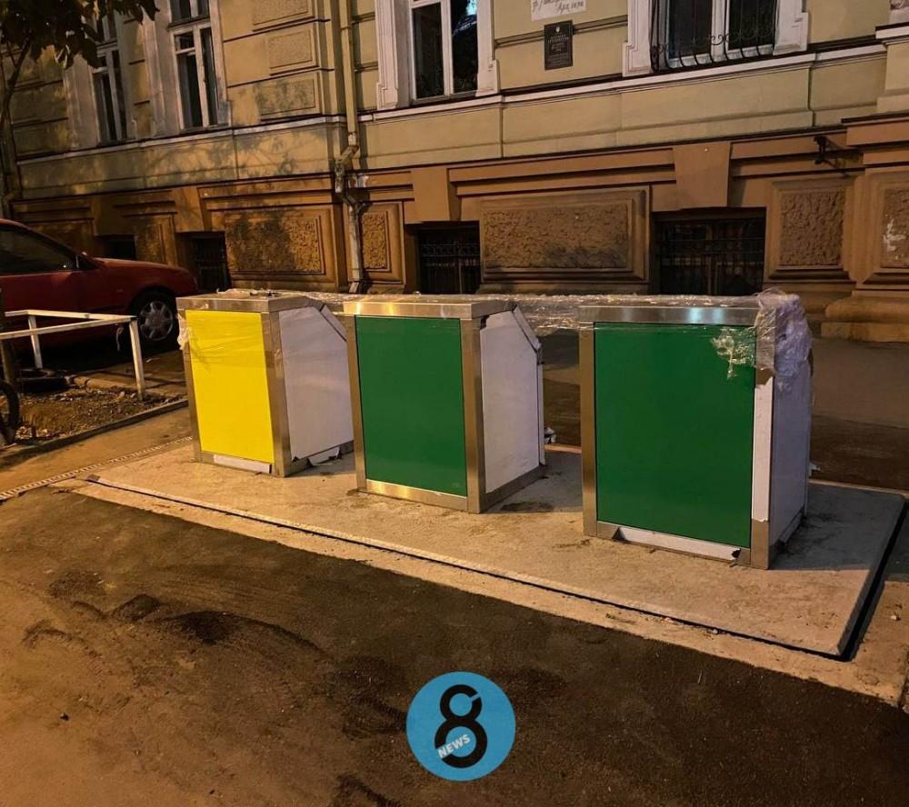 В Одессе устанавливают еще 4 системы с подземными мусорными контейнерами // Каждая обошлась почти в миллион гривен