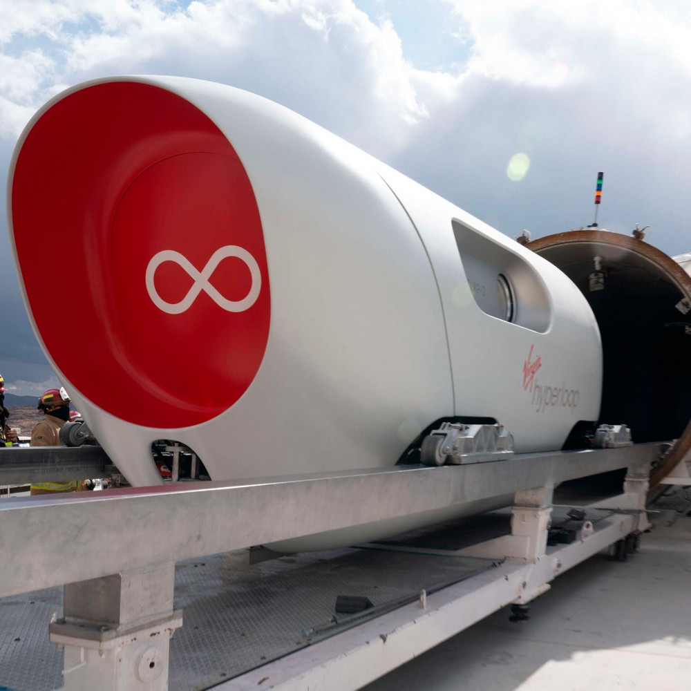 Пока американцы тестируют Hyperloop, экс-министр Омелян может сесть на 6 лет