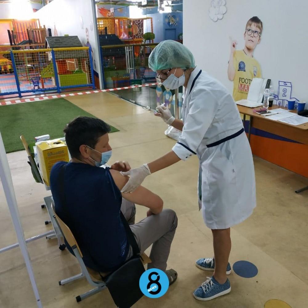 Вакцинация выходного дня // В Одессе появились еще два центра, где могут привиться все желающие