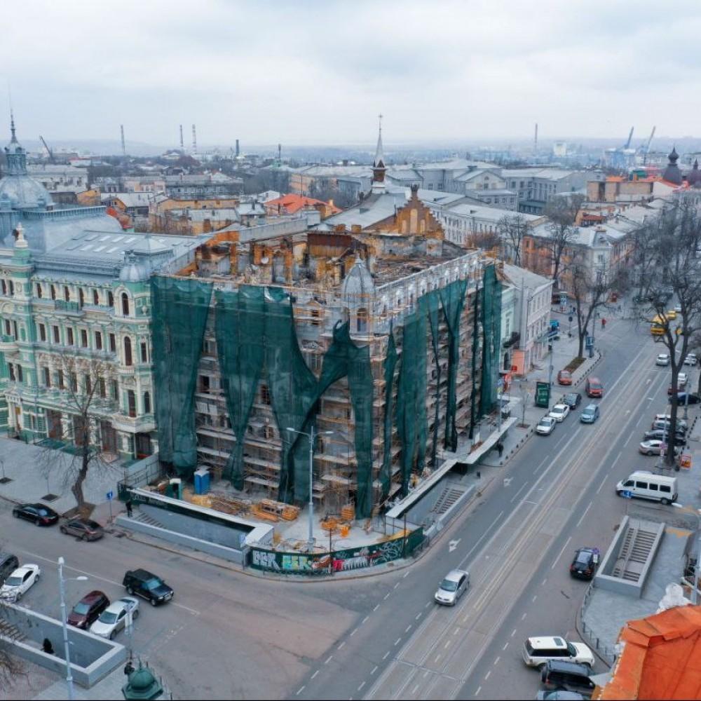 Заканчивать реконструкцию Дома Либмана будет фирма «Таурус» // Мэрия отморозила «Укрспецпроект»