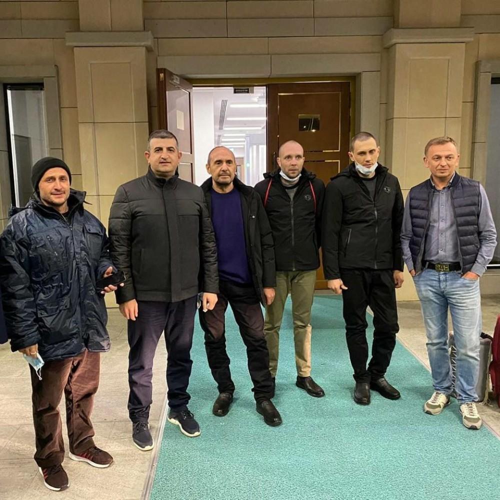 Четверо украинских моряков возвращаются домой из ливийской тюрьмы