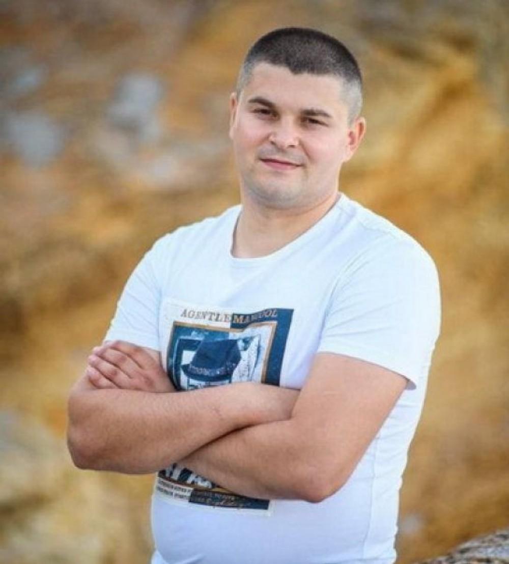 Самоубийство или убийство? // Замначальника патрульной полиции Измаила нашли повешенным в одесском парке