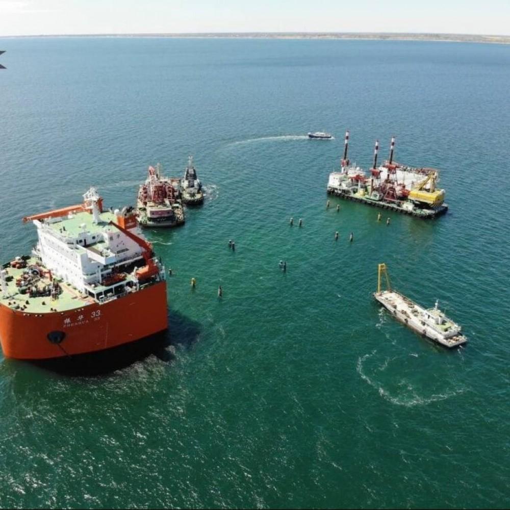 Грузят китайский флот // В Черном море проходит уникальная морская операция