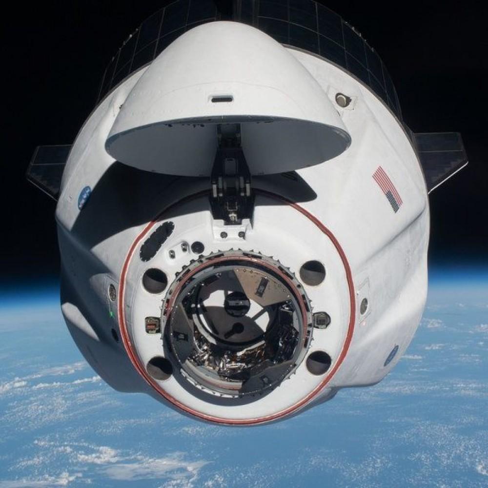 Космический аппарат Crew Dragon доставил на Землю астронавтов с МКС