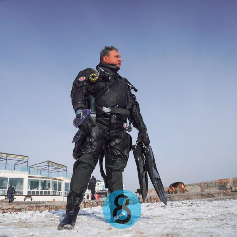 Одесские водолазы обследуют дно городских пляжей перед крещенскими купаниями
