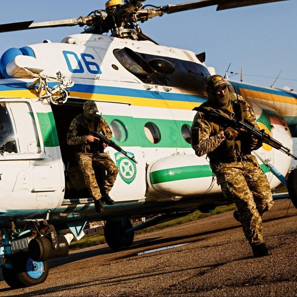 Граница под присмотром // Одесские пограничники получили вертолет