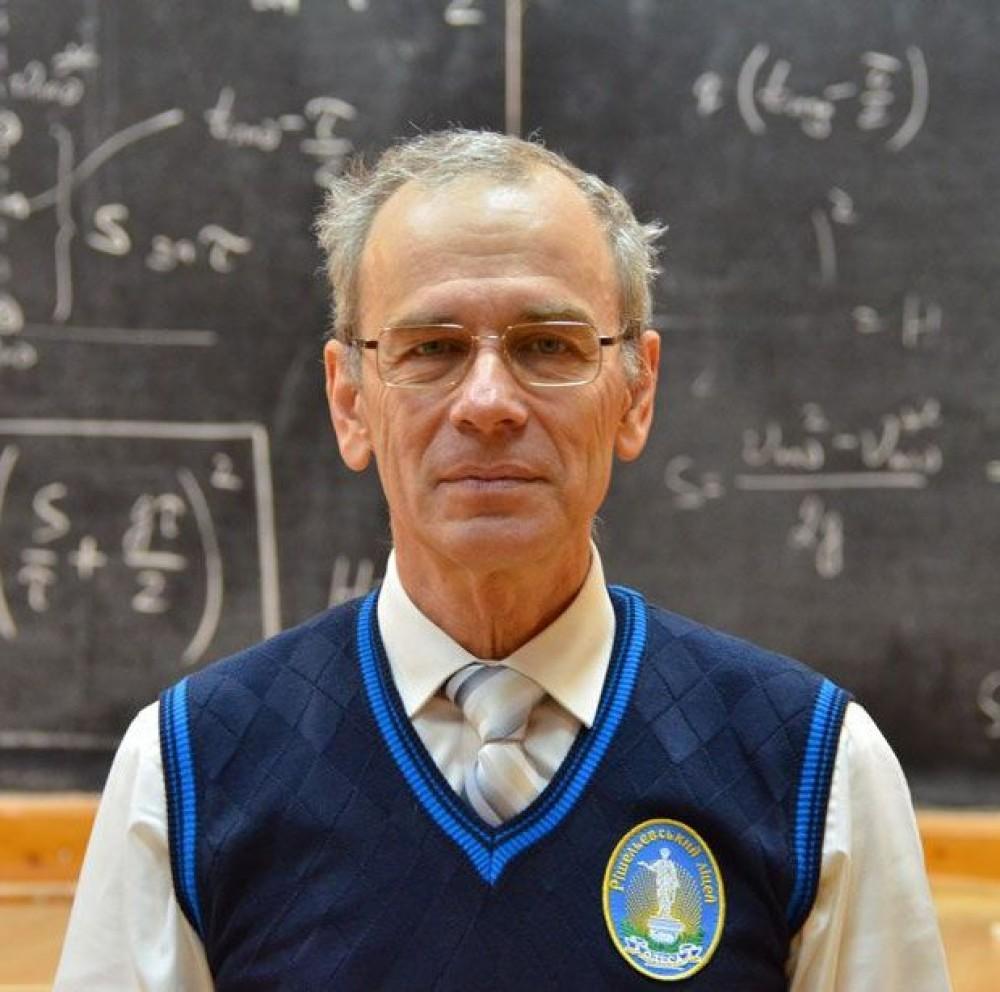Одесский учитель выложил на Youtube весь школьный курс по физике