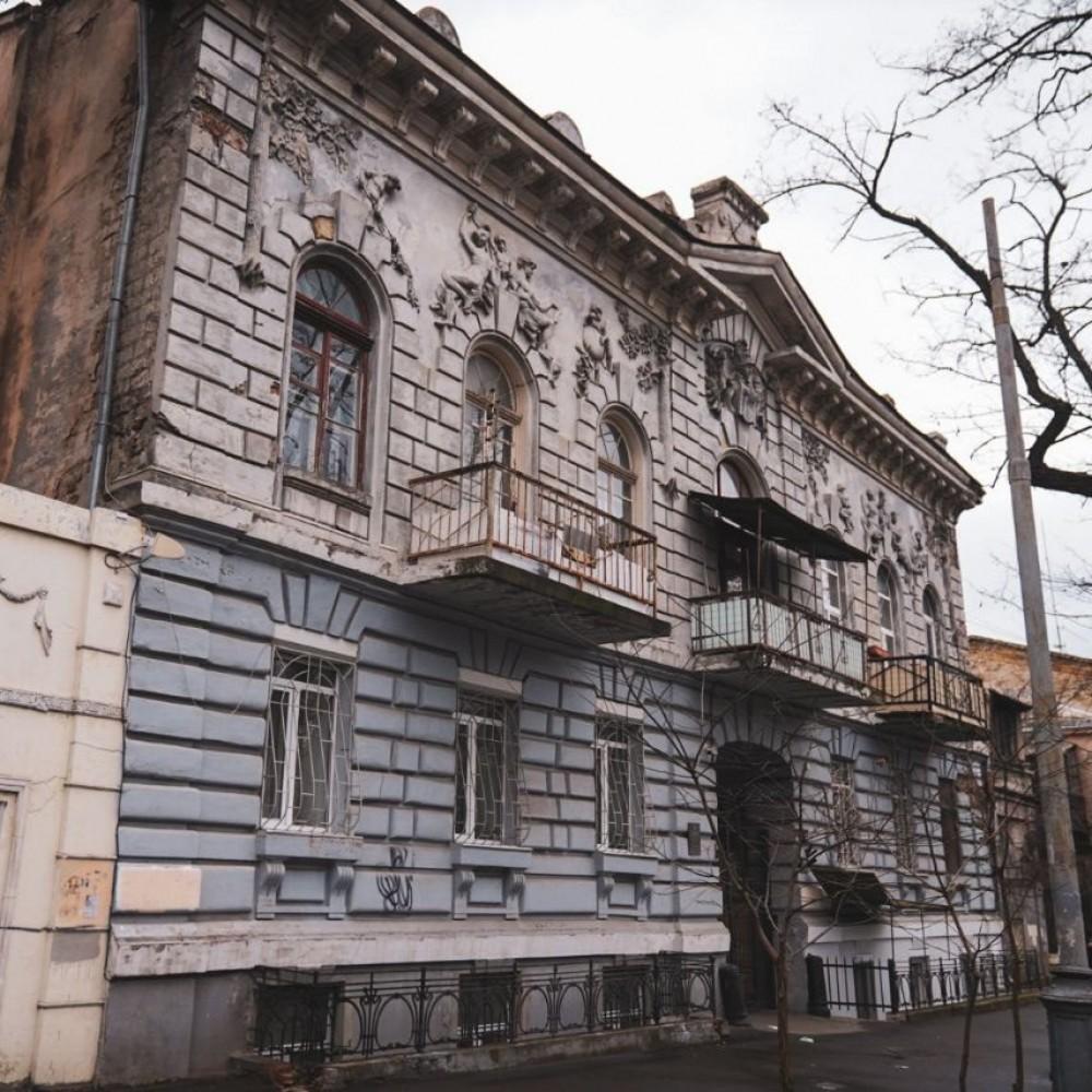 Сразу три // Мэрия выбрала разработчика проектов реставрации памятников архитектуры на Маразлиевской