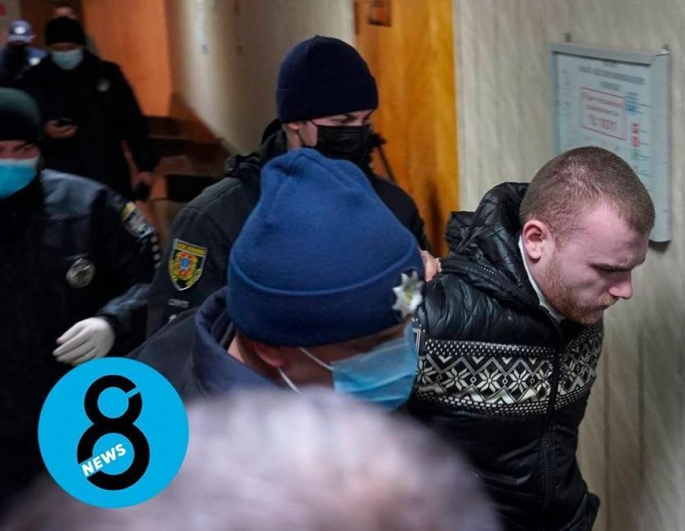 Обвиняемый в убийстве 11-летней девочки Николай Тарасов порезал себе горло в зале суда (Видео 18+) (обновляется)