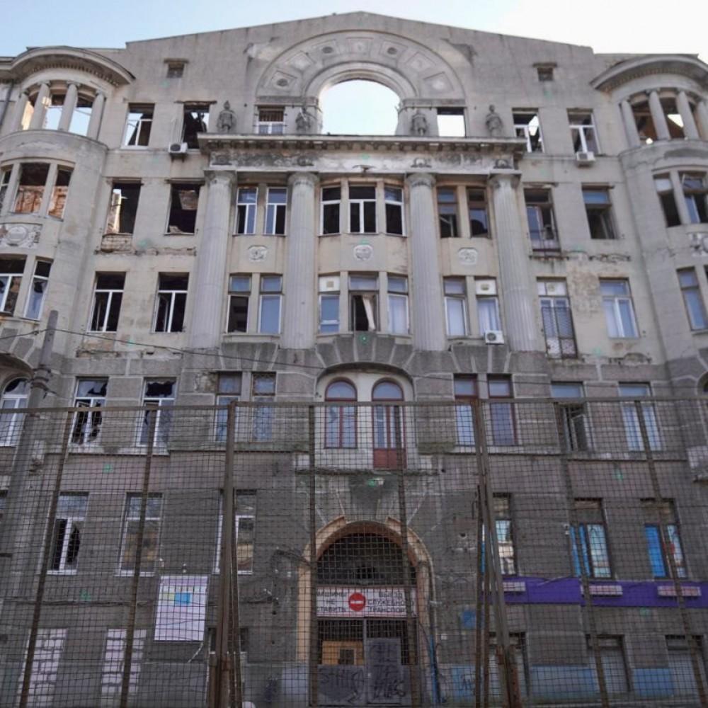 Минобразования просит горcовет забрать на баланс сгоревший Дом Асвадурова // Обладминистрация предлагает перенести туда архив