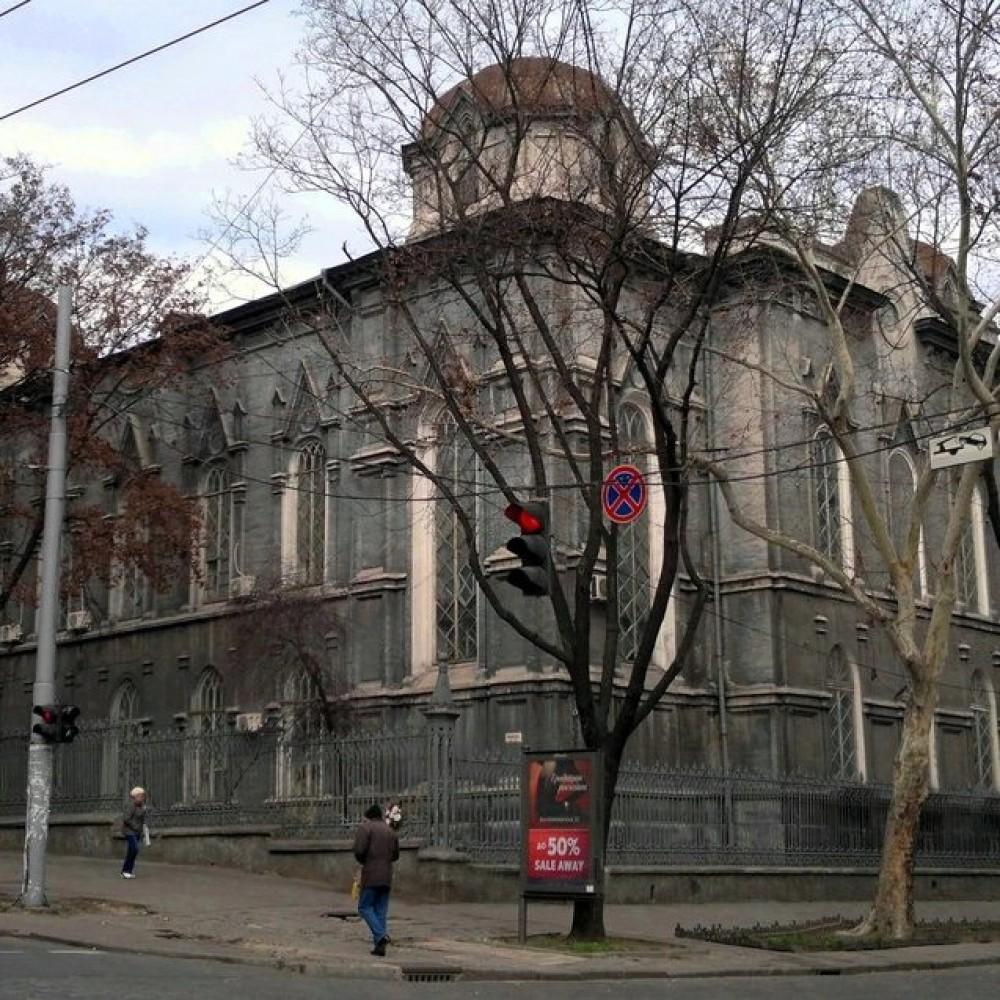 Может рухнуть в любой момент // В каком состоянии здание областного архива
