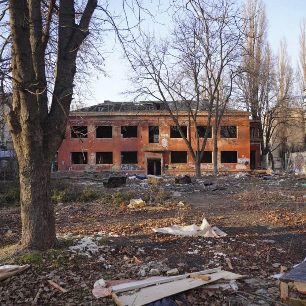 В Одессе выставили на продажу заброшенный коммунальный детсад