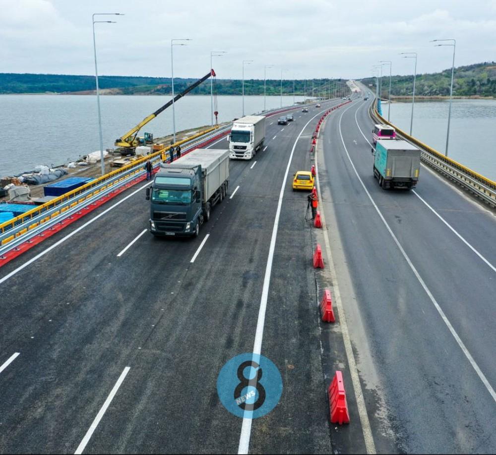 Открыли все полосы // На мосту через Хаджибейский лиман возобновили полноценное движение