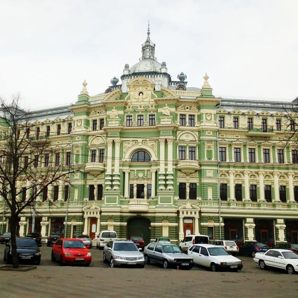 Суд признал Дом Руссова городской собственностью