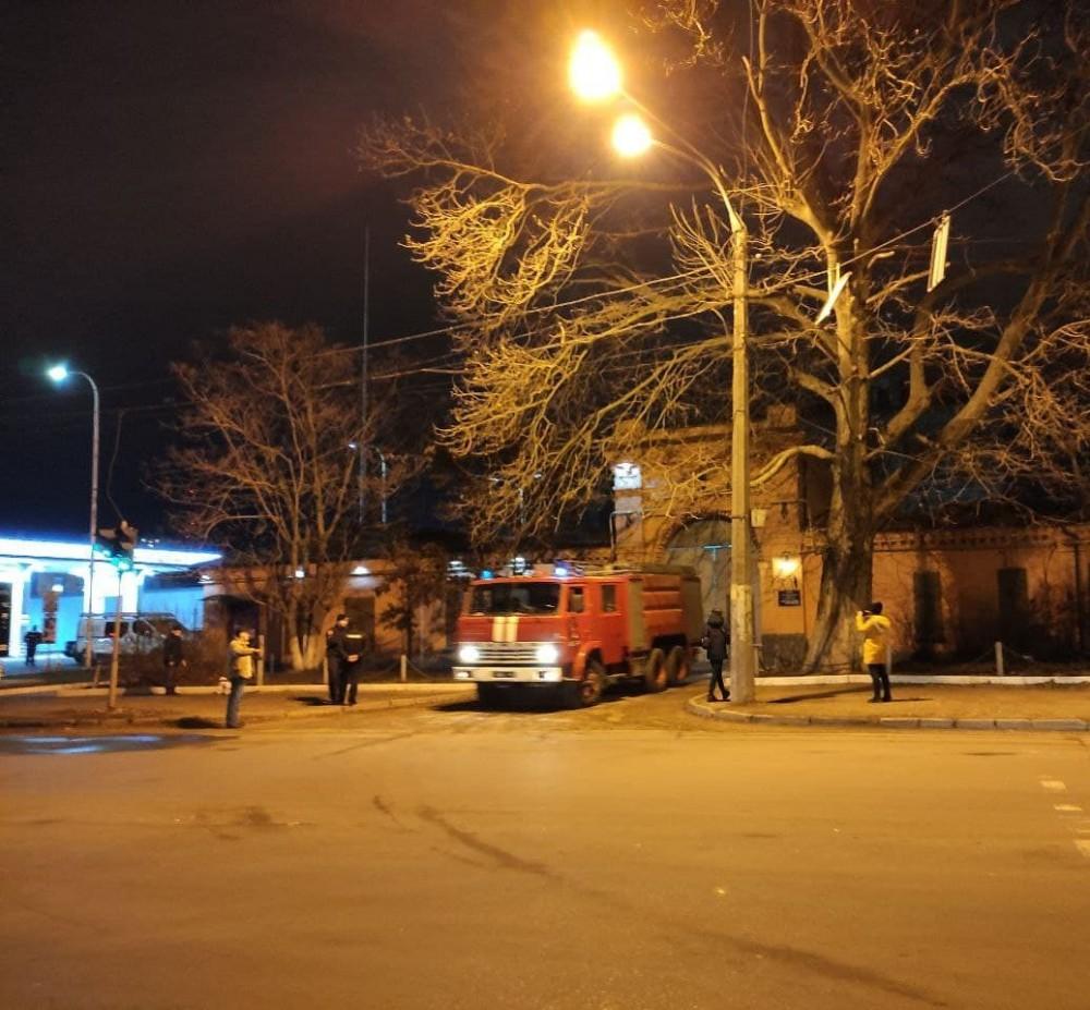 На Люстдорфской дороге спасатели тушили пожар в СИЗО