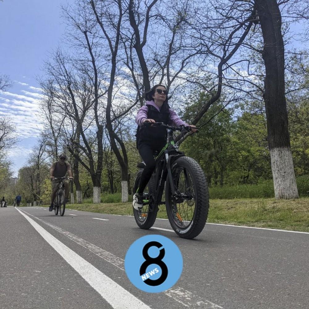 Новая и кривая // Как одесситы привыкают к двухсторонней велодорожке на Трассе здоровья