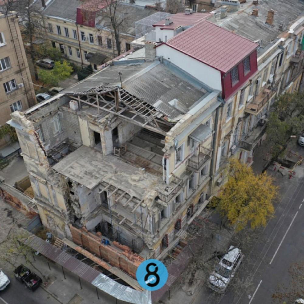 На Канатной начали восстанавливать рухнувший памятник архитектуры