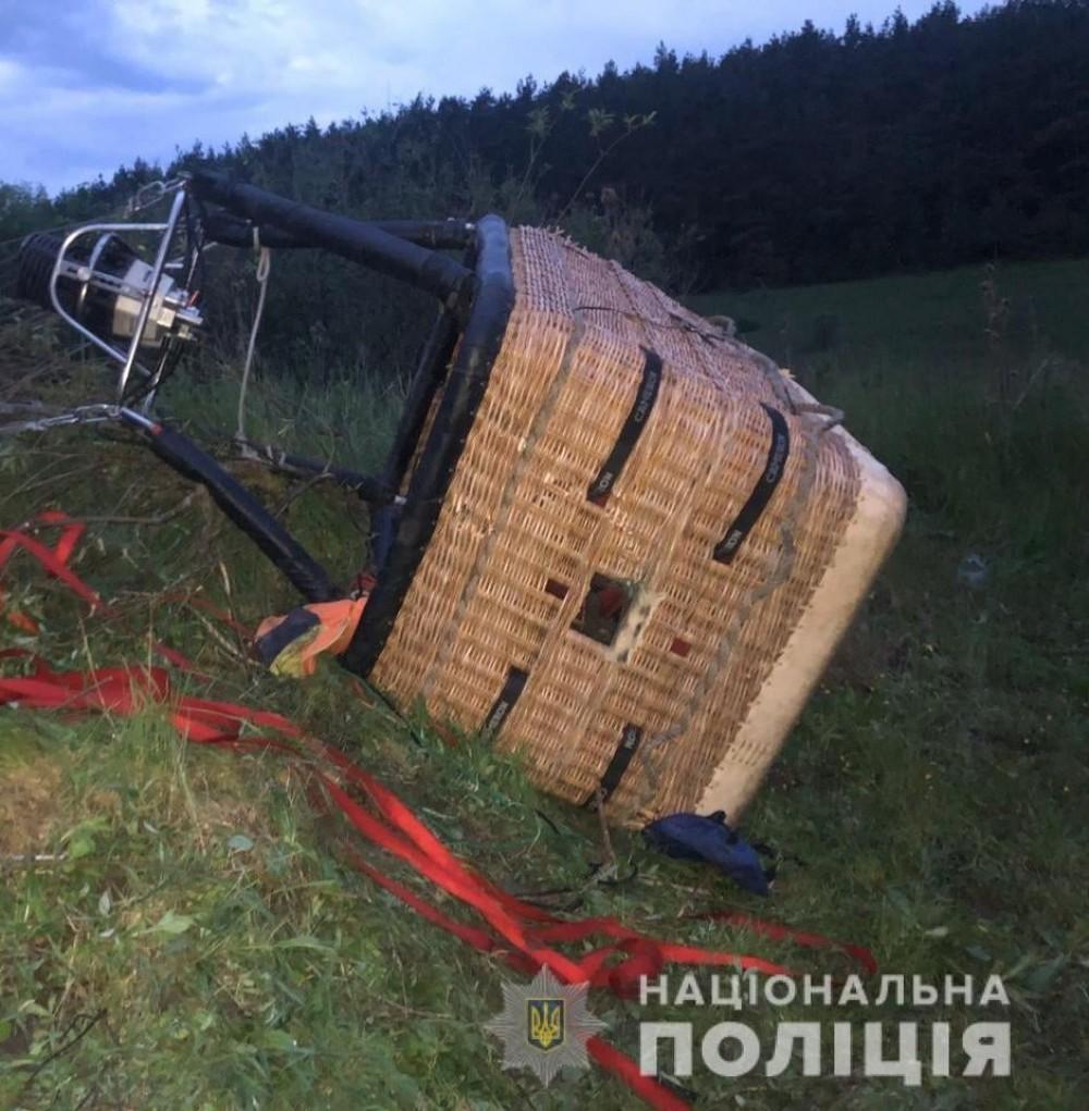 Один человек погиб, пятеро пострадали // Под Каменец-Подольским рухнул воздушный шар