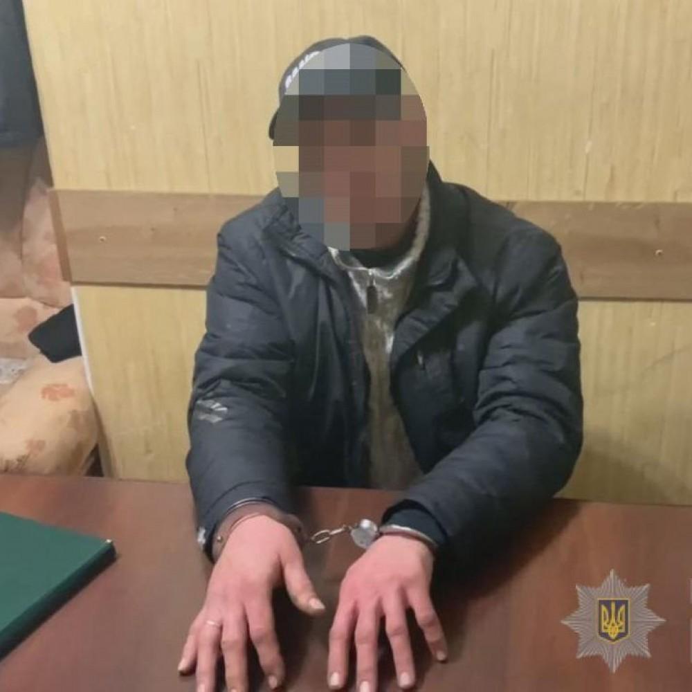 В Одессе задержали мужика по подозрению в регулярном изнасиловании двух дочерей