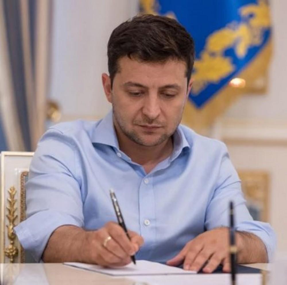 Зеленский восстановил закон о недостоверном декларировании