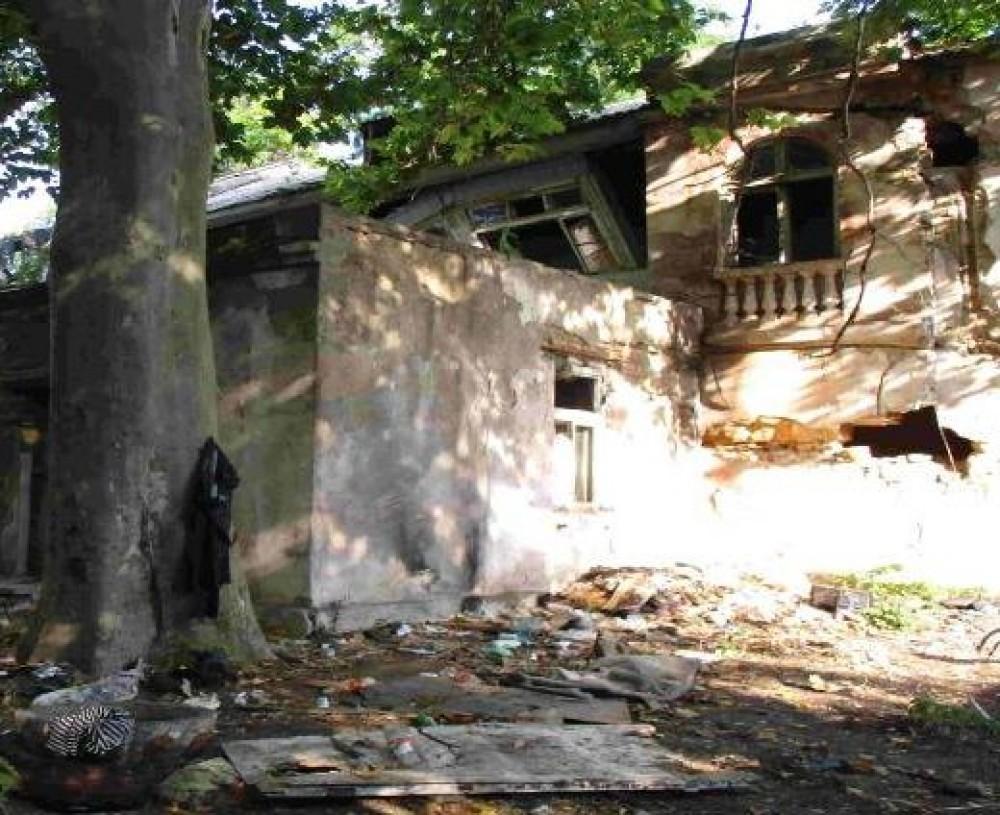 В мэрии задумали восстановить заброшенный детсад в переулке Каркашадзе